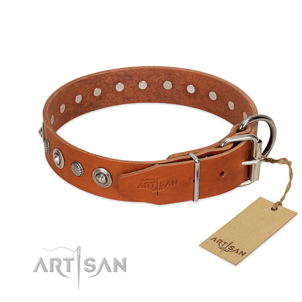 Top quality natural leather dog collar with stylish design studs