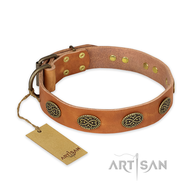 Stylish design full grain genuine leather dog collar with corrosion proof fittings